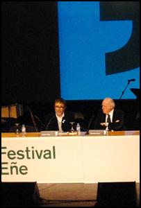 Alberto Anaut y Eduardo Arroyo presentan la película 'Arroyo. Exposición individual'