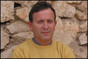 Pedro Villar, escritor de 'Miguel Hernández en 48 estampas'